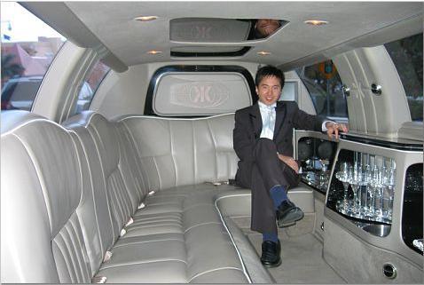bruce-in-limo.jpg