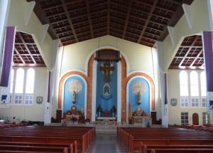 教堂內景,跟歐洲的大教堂,當然是兩個回事,但已經遠勝香港的教堂了。