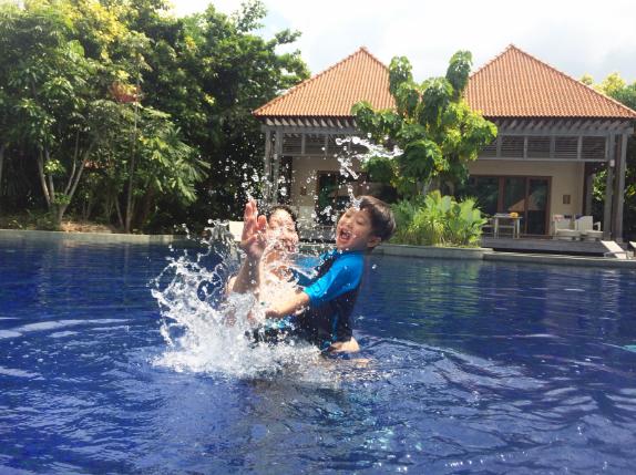 Pool 0805